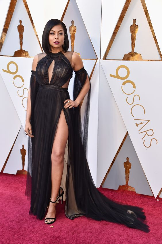 These Red Carpet Looks Will Make Any Busty Woman Want to Dress Up ...